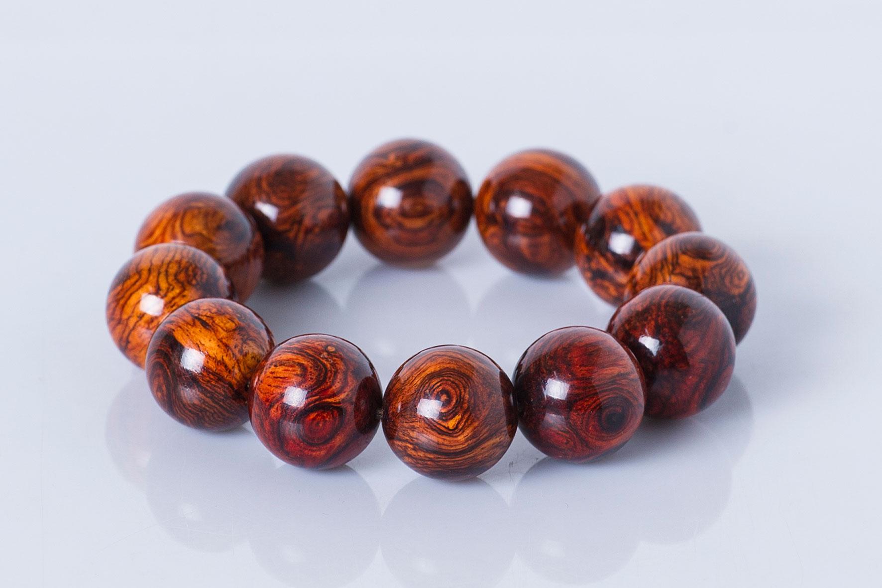 vòng tay gỗ sưa đỏ tự nhiên